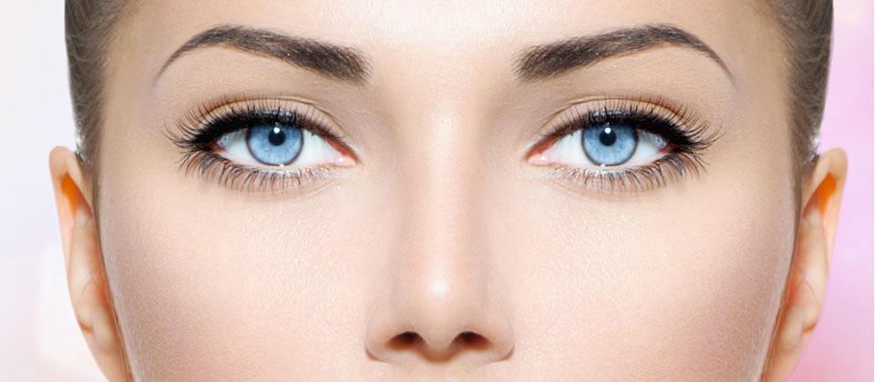 Perfectly shaped eyebrow waxing